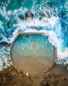 En la piscina natural de Laguna Beach, California, Estados Unidos (US), por Niaz Uddin ✶ Oh The Places You'll Go, Places To Travel, Travel Destinations, Holiday Destinations, Beach Honeymoon Destinations, Travel Tourism, Beach Hotels, Beach Resorts, Aerial Photography