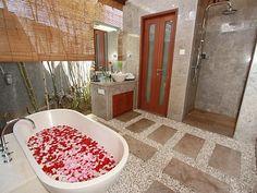 Bathroom - http://www.homeaway.com.au/holiday-rental/p922802 @homeawayau #holiday #villa #bali