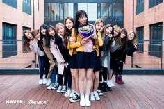 Cosmic Girls Kpop Girl Groups, Korean Girl Groups, Kpop Girls, Squad Pictures, Bff Pictures, Ulzzang Couple, Ulzzang Boy, Things To Do With Boys, Friends Moments