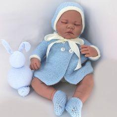 3. patrón abrigo, capota y botas Antonio Juan 42 cm Crochet Doll Clothes, Knitted Dolls, Crochet Baby, Knit Crochet, Baby Born, Baby Car Seats, New Baby Products, Needlework, Knitting
