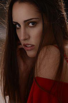 www.thezarashaw.com #look #beauty #skin #women #sensual #truccosposa #makeupartist #reddress #redlip #beautiful #lady #art #fashion #photography #models #tutorial #mfw #smokeyeye #thezarashaw Italian Makeup, Smokey Eye, Red Lips, Beauty Skin, Fashion Photography, Models, Lady, Artist, Beautiful