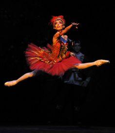 Mara Galeazzi (Firebird)  Firebird by Fokine - The Royal Ballet, December 2012 - January 2013   see www.dancetabs.com