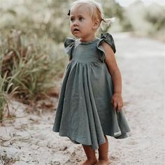 Vestidos Vintage, Vintage Dresses, Dresses Kids Girl, Flower Girl Dresses, Princess Dresses, Baby Dresses, Baby Girl White Dress, Baby Wedding Outfit Girl, White Girls