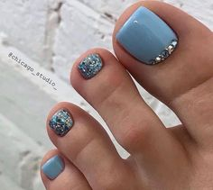 Pin by robertmallardtht on feblaid in 2020 Pretty Toe Nails, Cute Toe Nails, Cute Toes, Pretty Toes, Fancy Nails, Gorgeous Nails, Simple Toe Nails, Beautiful Toes, Pedicure Designs