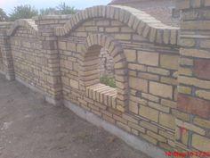 OGRADE ZIDANE -ETNO AMBIJENTI Brick Garden, Brick Fence, Fence Design, Wall Design, Boundry Wall, Compound Wall, Brick Works, Garden Living, Rooftop Garden