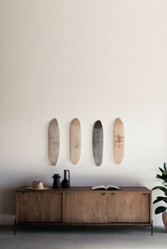 Tumblr is a place to express yourself, discover yourself, and bond over the stuff you love. It's where your interests connect you with your people. Surfer Bedroom, Surfer Girl Rooms, Contemporary Fireplace Designs, Surfboard Decor, Surf Room, Walnut Doors, Aesthetic Bedroom, Modern Wall Decor, Girl House