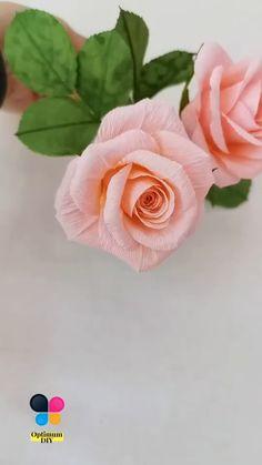 Crepe Paper Roses, Diy Paper Roses, Paper Rose Craft, Crepe Paper Crafts, Handmade Flowers, Diy Flowers, Fabric Flowers, Fleurs Diy, Flower Video