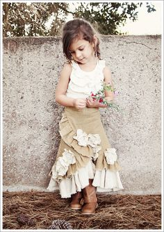 What Happens Next: What Stella Wore ~ Ruffled Linen Prairie Skirt That is a darling outfit for a young girl. Really cute. Cute for a not so young girl as well.