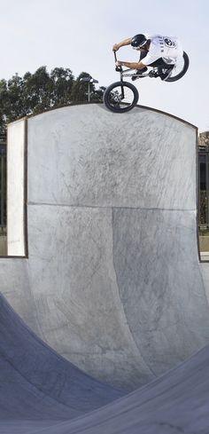 Vertical challenge. Matt Roe on the vert wall of Ruben Alcantara's Waves. http://win.gs/1bxpoQT Image: © George Marshall #bmx #bike #RubenAlcantara #mattroe