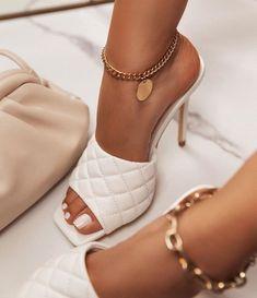 Fancy Shoes, Pretty Shoes, Crazy Shoes, Beautiful Shoes, Dr Shoes, Hype Shoes, Me Too Shoes, Shoes Heels, Mules Shoes