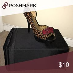 Women's Peeptoe Heel Platform, peeptoe heel.. not brand new but barely worn Speed Limit 98 Shoes Heels