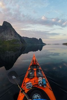 Canoe And Kayak, Kayak Fishing, Sea Kayak, Beautiful World, Beautiful Places, Wonderful Places, Surf, Kayak Adventures, Outdoor Adventures