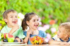 15 tips for raising healthy vegan children – Bébé végé – Raising Kids Healthy Eating For Kids, Healthy Eating Habits, Kids Diet, Healthy Snacks, Healthy Children, Healthy Living, Vegan Nutrition, Kids Nutrition, Nutrition Tips