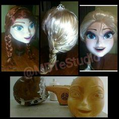 Elsa e Anna Frozen  Essas cabeças só na #MDTeStudio.  www.facebook.com/MDTeStudio  Mais Anna e Elsa saindo do forno agora mesmo!!!   #Frozen  #MDTeStudio #Anna #AnnaFrozen  #personagemvivo #personagens #fantasia #eventos #festas #animaçao #bonecovivo #bon