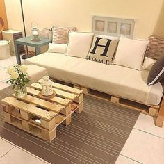 Now you can earn use of recycled pallet wood to create innovative and more handy parts of furniture for coffee table. There are two major varieties of wood pallets. 1 important thing with pallet furniture is you will want to finish it. Pallet Couch, Wooden Pallet Furniture, Wood Pallets, Home Furniture, Recycled Pallets, Pallet Tables, Indoor Furniture Ideas, Outdoor Furniture, Furniture Plans