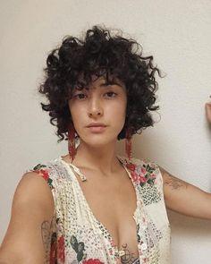 Image may contain: 1 person, closeup Stacked Bob Hairstyles, Short Curly Haircuts, Curly Bob Hairstyles, 1920s Hairstyles, Latest Hairstyles, Relaxed Hairstyles, Short Curly Pixie, Trending Hairstyles, Curly Hair Styles