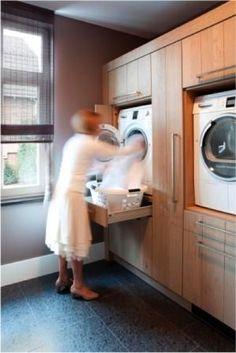 Laundry Room Design Idea – Raise Your Washer And Dryer Up Off The Floor Laundry Room Design Idea - Raise Your Washer And Dryer Up Off The Floor Vooral de vondst om onder de machine ook nog een lade te plaatsen waar je de wasmand op kan plaatsen Laundry Room Design, Laundry In Bathroom, Laundry Area, Laundry Closet, Basement Laundry, Modern Laundry Rooms, Kitchen Design, Laundry Room Appliances, Laundry Cabinets