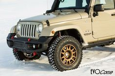 DakarZero in bronze finiture for Jeep Wrangler. | EVO Corse Racing Wheels #evocorse #evocorsewheels #wheels #dakarzero #jeep #jeepwrangler #bronze #bronzefiniture #lifeisawheel #desertapproved #followus