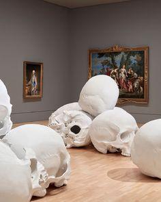 Les Crânes gigantesques de Ron Mueck (4)