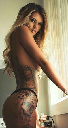 Tattooed Girl  E2 9d A4 Tattoo Girls Girl Tattoos Tatoos Beautiful