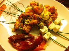 Bataattisalaatti, fetaa ja Iberico de Bellota. #T-Barbeque #T-Mun kastike