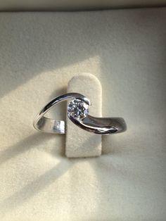Anello di fidanzamento in oro e diamante. di Lucedistrega su Etsy