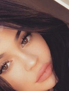 Kim Kardashian Kylie Jenner, Estilo Kylie Jenner, Kylie Jenner Makeup, Kylie Lips, Kylie Lip Kit, Kylie Travis, Jenner Family, Beautiful Dresses For Women, World Most Beautiful Woman