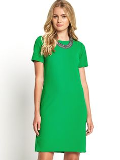 Perfect for this season's nod to the 60s and goes to a size 24