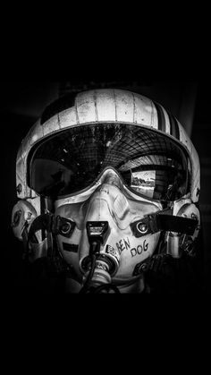 An United States Air Force pilot's flight helmet found at Addison, Texas' Cavanaugh Flight Museum. See more photos at Jet Fighter Pilot, Fighter Jets, Aviation Art, Aviation Tattoo, Nose Art, Fighter Aircraft, Military Art, Military Aircraft, Airsoft