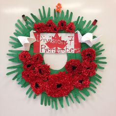 Grade 5 remembrance day wreath Love this idea - bet my class could make this! So effective :) Remembrance Day Activities, Remembrance Day Art, Fall Crafts, Holiday Crafts, Crafts For Kids, Grade 1 Art, Grade 3, Tissue Paper Wreaths, Poppy Wreath