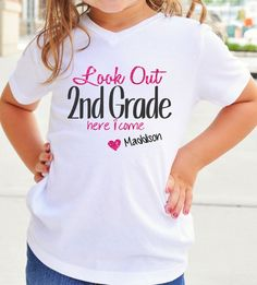 Back To School Tee Shirt - Look Out! Kindergarten Here I come! ( Any Grade)