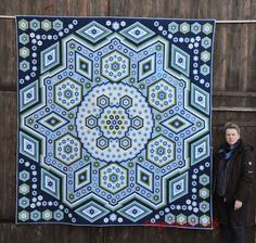 """Grit's Life: Hexagonquilt """"La Passion"""" Maybe oneday... http://gritslife1.blogspot.co.za/p/hexagonquilt.html"""