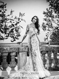 Spettacolare abito da #sposa realizzato da #AlessandroAngelozzi. Tra effetto tatuaggio, inserti nude look e molto altro, puoi scoprire l'intera collezione 2016 su http://www.piazzadispagnasposi.it/collezioni/sposa/alessandro-angelozzi-couture/