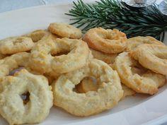 Vanillekranse (traditional Danish Christmas cookie)