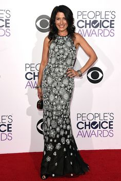Looking good is the best revenge for this ex. The star of Girlfriends' Guide to Divorce, Lisa Edelstein, worked her curves in Naeem Khan's floral trumpet gown and Amrapali jewelry.