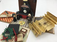 Explosion box – exploding box – harry potter - All About Harry Potter Cards, Harry Potter Diy, Vif D'or, Anniversaire Harry Potter, Exploding Box Card, Diy And Crafts, Paper Crafts, Creation Deco, Diy Box