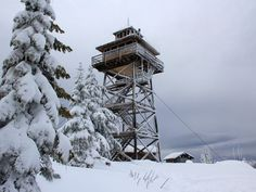 22 Oregon winter adventures offer snow, waterfalls and hot springs