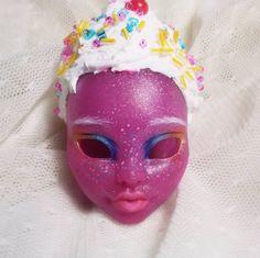 """Polubienia: 13, komentarze: 1 – Carmazin (@carmazin.dolls) na Instagramie: """"My Candy Girl wip :3 soon I'll make her new eyes and dress. But where do I buy white lashes? :/…"""""""