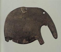 Egyptian elephant-shaped palette, ca. 3650-3300 BCE; graywacke