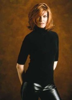 Film: 'The Thomas Crown Affair (Rene Russo)' Rene Russo, My Hairstyle, Pretty Hairstyles, Bob Hairstyles, Looks Style, Cut And Style, Thomas Crown Affair, Great Haircuts, Madame