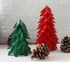 Aren't you looking for fun DIY plastic spoon craft projects? In this article, we will show you some DIY projects about plastic spoons. Plastic spoons are more than just utensils. With a few plastic spoons, Christmas Pine Cones, Unique Christmas Trees, 25 Days Of Christmas, Christmas Tree Decorations, Christmas Crafts, Craft Decorations, Xmas Trees, Christmas Fashion, Christmas Movies