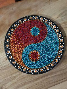 Dot Art Painting, Mandala Painting, Stone Painting, Pottery Painting Designs, Rock Painting Designs, Vinyl Record Art, Vinyl Art, Mandala Design, Land Art