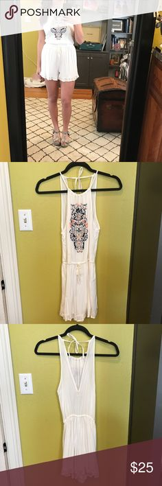 American Eagle romper Fun/sweet white romper that has been worn once. Perfect for the summertime!! 🌞 American Eagle Outfitters Other
