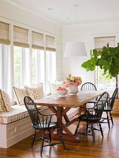 Kitchen banquette: If you host lots of guests, consider one long window seat. Mo… - Best Home Idea Farmhouse Dining Room Table, Dining Room Table Decor, Dining Nook, Dining Room Design, Dining Furniture, Kitchen Decor, Nook Table, Sunroom Dining, Kitchen Banquette Ideas