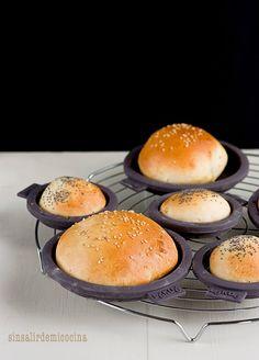 @beatrizsinsalir · Sin salir de mi cocina | Panecillos de hamburguesa caseros con Kit Burger de Lékué | Homemade hamburger buns using the Lékué Burger Kit