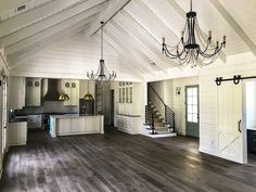 Country Craftsman with Vaulted Interior and French Door Foyer - 24374TW thumb - 32