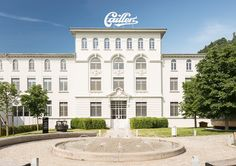 Discover the history, tradition and art of chocolate-making at Cailler, Switzerland's oldest chocolate brand. Swiss Chocolate, Custom Chocolate, Chocolate Brands, Chocolate Factory, Chocolate Making, Switzerland Itinerary, Places In Switzerland, Switzerland Vacation, European Vacation