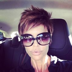 love the cut, color and highlights!