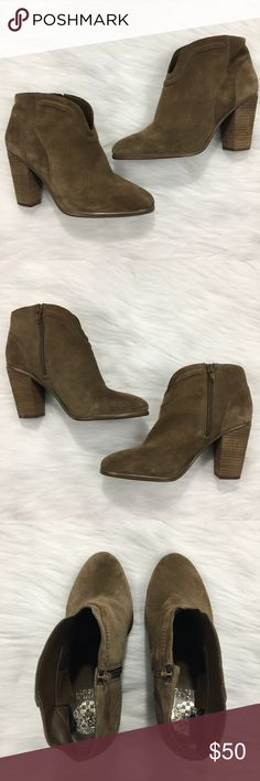 """Vince Camuto Felishan Booties Brown Suede WOW! Pre-owned condition. Vince Camuto Felishan Bootie in a US WOMENS 8.5 W. Brown Suede uppers. Interior side zipper. In excellent condition, light wear throughout including creasing, and minor wear on soles. Anti-slip stickers on the soles. Length of sole: 9"""". Width at widest part: 3.5"""". Heel height: 3.75"""". Please inspect all photos carefully. Thanks for viewing! Vince Camuto Shoes Ankle Boots & Booties"""