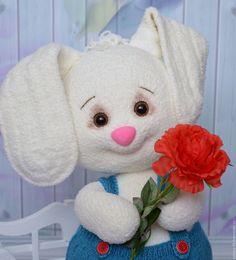Купить Зайка вязаный Тарасик - белый, зайка мальчик, зайка игрушка, зайка вязаный